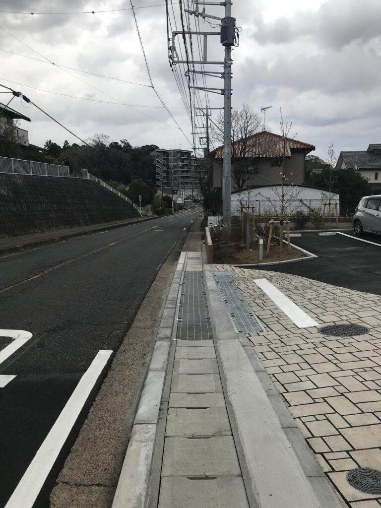 アシステッドリビング土気ホーム前の道路